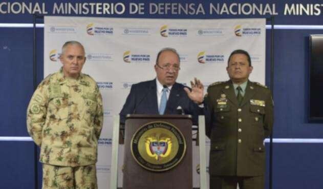 El ministro Luis Carlos Villegas en rueda de prensa