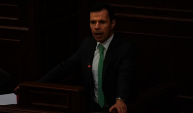 Guillermo Rivera, ministro del Interior, hoy en día promovido como embajador en Chile