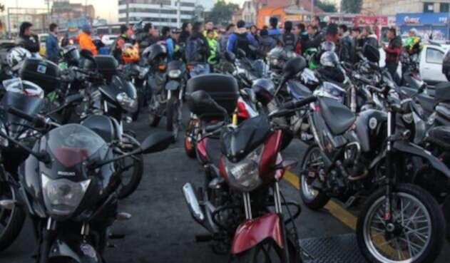 52 por ciento de la gente que trabaja se moviliza en moto