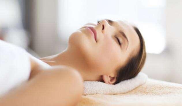"""Los """"hilos estimuladores de colágeno"""" o PDO son otra alternativa para estimularel colágeno y mejorar la flacidez en el rostro"""