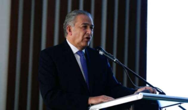 El general (r) Óscar Naranjo pidió al Clan del Golfo hacer la solicitud formal