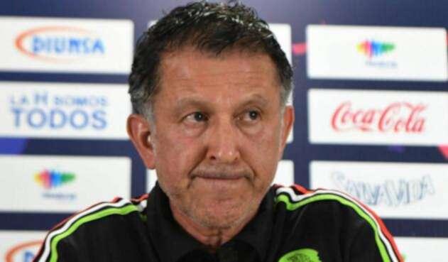 Juan Carlos Osorio en foco de críticas en México