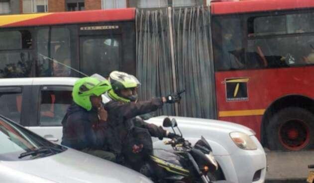 Parrillero en moto en Bogotá