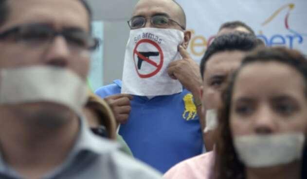 Periodistas protestan por ataques a la libertad de expresión