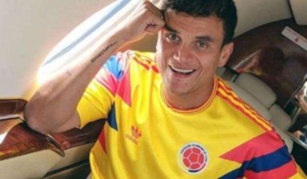 Silvestre Dangond apoyando a la Selección Colombia