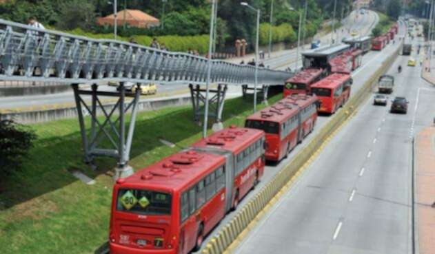 Articulados del Sistema de Transporte Masivo Transmilenio.