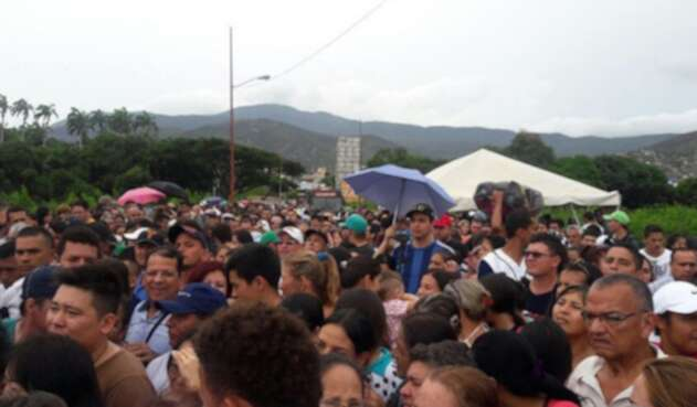 Venezolanos en la frontera colombo-venezolana en Cúcuta