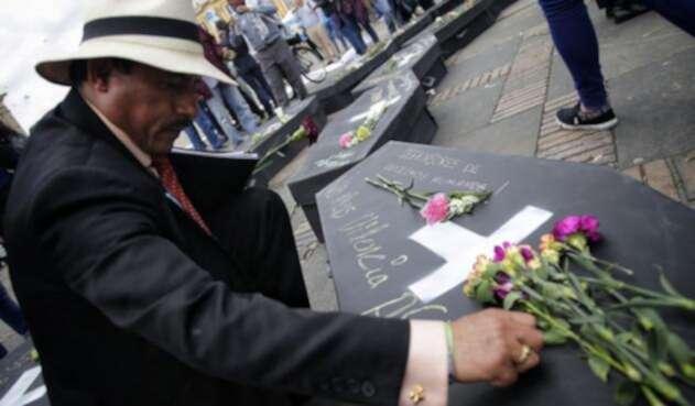 Homenaje a las víctimas en la Plaza de Bolívar