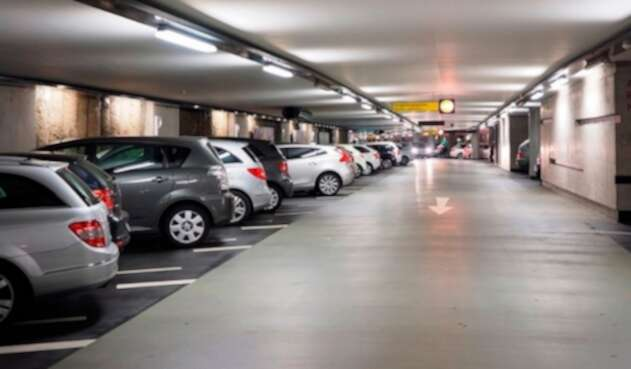 Carros parqueados