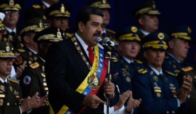 Según relataron testigos, el presidente venezolano fue atacado aparentemente por un dron.