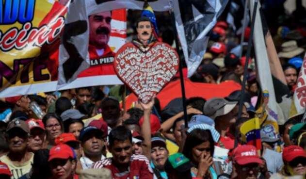 Miles de simpatizantes del presidente de Venezuela, Nicolás Maduro, marchan en Caracas.