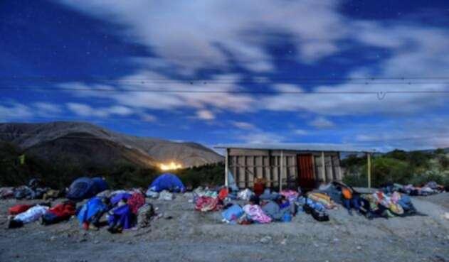 Venezolanos en su camino al Perú.