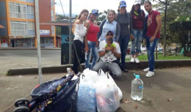 Grupo de Venezolanos reúnen ayudas en Armenia y Calarcá.