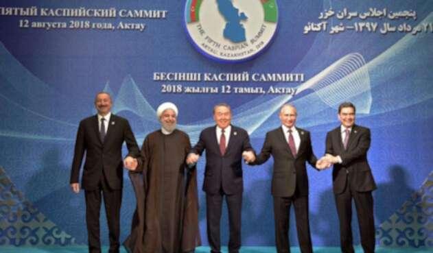 El saludo tras el histórico acuerdo del mar Caspio
