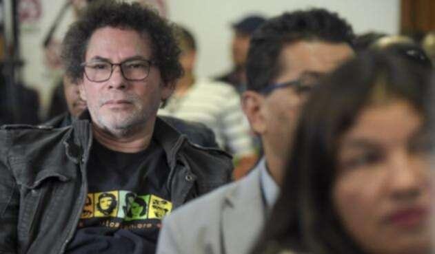 Pastor Álape está en el centro de la polémica.