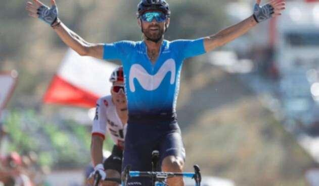 Alejandro Valverde cruzando la meta en la segunda etapa de La Vuelta