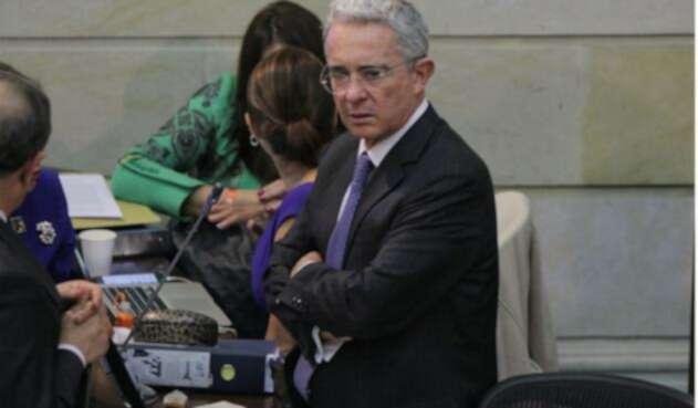 El senador Álvaro Uribe Vélez retiró apoyo a la consulta anticorrupción