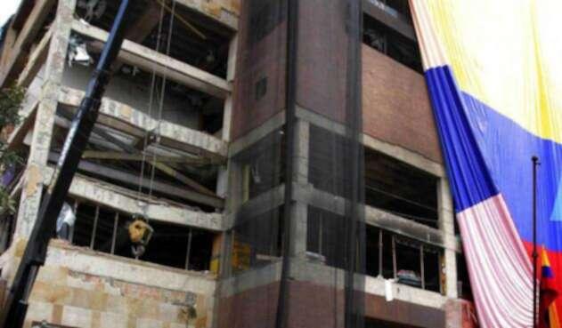 Así se veía el Club El Nogal poco después del atentado de febrero de 2003
