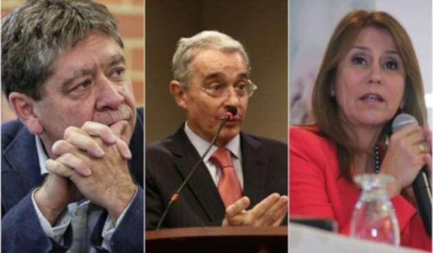 Bruce Mac Master, presidente de la Andi; el senador Álvaro Uribe y Griselda Restrepo, exministra de Trabajo