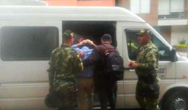 Funcionarios del Invima son detenidos por otorgar licencias de manera irregular