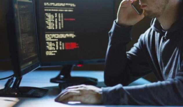 El cibercrimen sigue en aumento, razón por la que las personas deben estar prevenidas con su información en la red