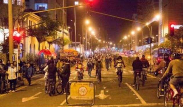Ciclovía nocturna de Bogotá
