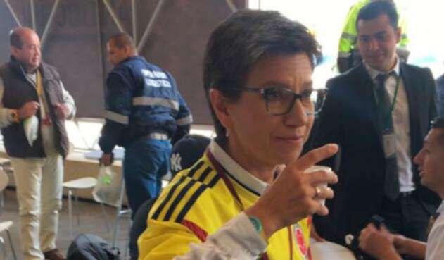 Claudia López invita a votar en la consulta anticorrupción