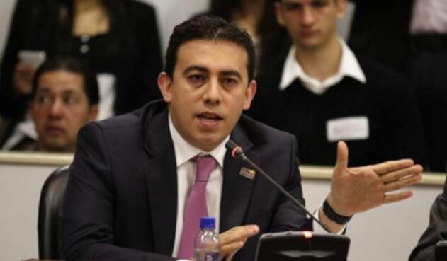 Alexander Vega, nuevo Registrador Nacional.