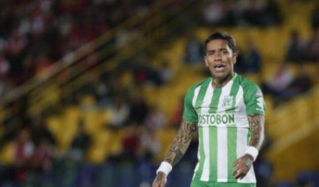 Dayro Moreno jugando para Atlético Nacional