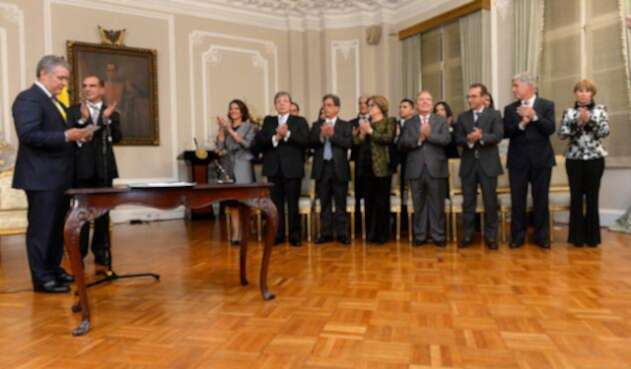 Ivan Duque en posesión de sus ministros