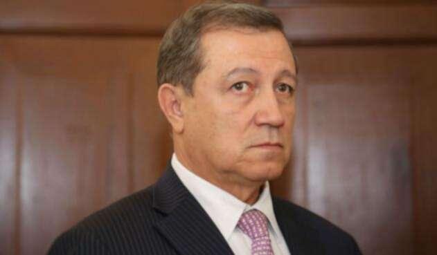 Critican a Macias desde su propio partido por no gestionar juicio contra exmagistrado Malo.