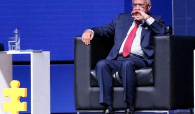 Alfonso Gómez Méndez apoya reparos de fiscal Martínez a la JEP