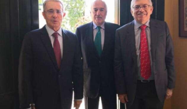 César Gaviria, Álvaro Uribe y Andrés Pastrana