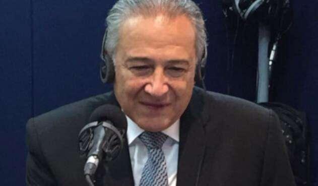 El general Óscar Naranjo en LA FM