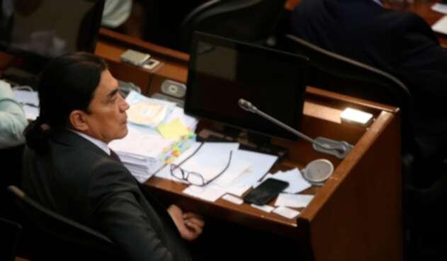 El senador Gustavo Bolívar insiste en el retorno de la tortura al país
