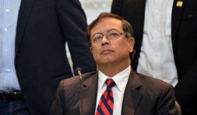 Gustavo Petro, senador de la República, advirtió amenazas de muerte