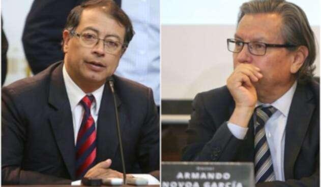 El senador Gustavo Petro y Armando Novoa, magistrado del CNE
