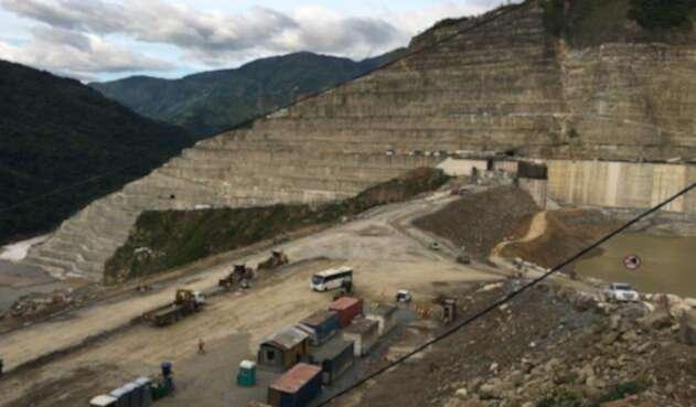Investigan si unos túneles de la central hidroeléctrica fueron sellados sin los permisos requeridos.
