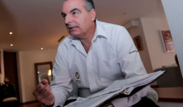 Anuncia que se retracta de unas acusaciones hechas contra josé Felix Lafaurie
