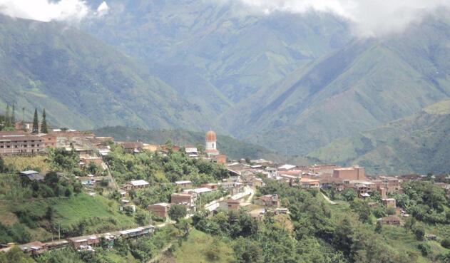 35 transportadores en Ituango, norte de Antioquia, se mantiene en paro indefinido por las dificultades que afrontan tras la emergencia en Hidroituango.