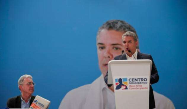 El senador Álvaro Uribe se ha convertido en el defensor a ultranza del presidente Iván Duque