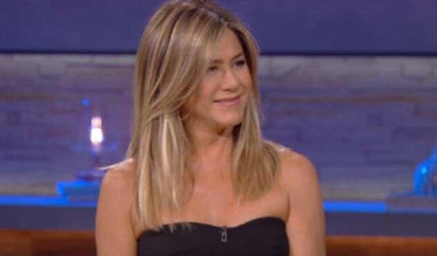 Jennifer Aniston continúa su amistad con sus compañeros de elenco.