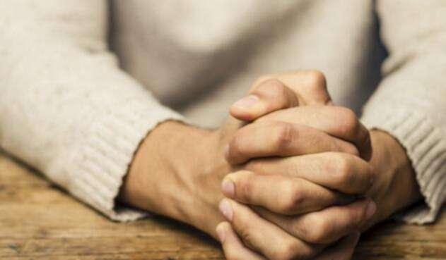 Un joven en situación de ansiedad y depresión