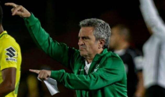 Juan Manuel Lillo en su etapa como técnico de Atlético Nacional