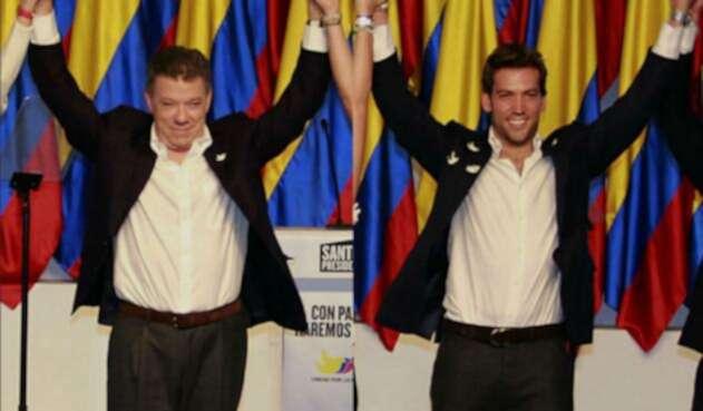 Juan Manuel Santos y Martín Santos, hoy en la escena de sus propias burlas
