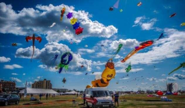 En Festival de Verano quiere romper un record elevando cometas