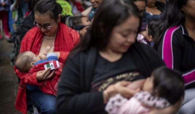 Razones del rechazo a las madres que lactan en público.