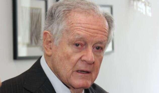 Luis Carlos Sarmiento Angulo, de acuerdo con IVA a canasta familiar