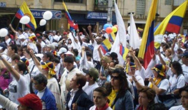 Los organizadores argumentaron que marchan por el asesinato de líderes sociales en Colombia
