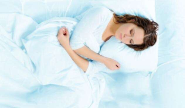 ¿De qué manera duerme usted habitualmente?